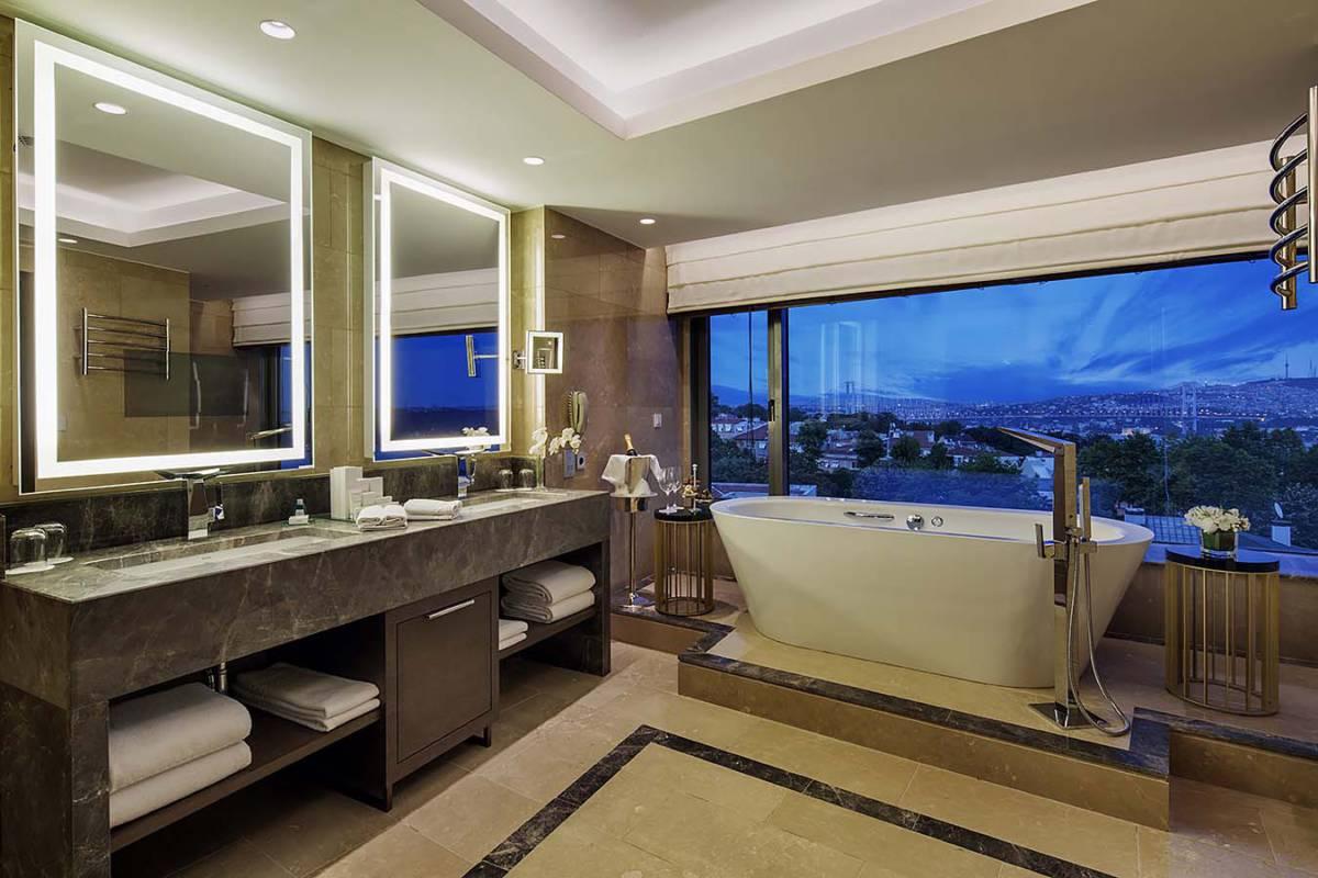 Conrad Istanbul Bosphorus - Номера с красивыми ванными. Не душем единым