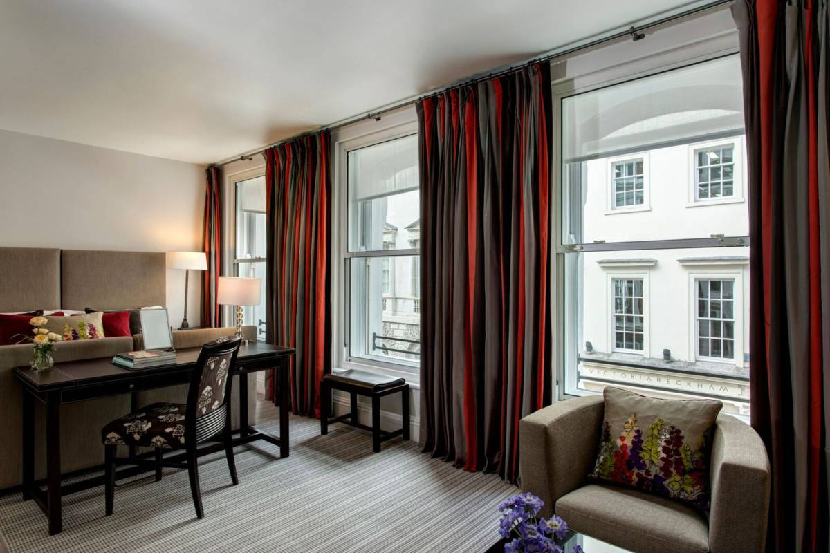 Hi BRO 87251897 RFH Browns Hotel   Deluxe Room 6277 Jul 17 preview - Лондон.  Квесты с Brown's Hotel