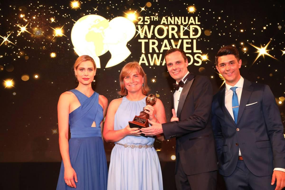 GCmrrwKA - World Travel Awards. Награда уехала в Питер