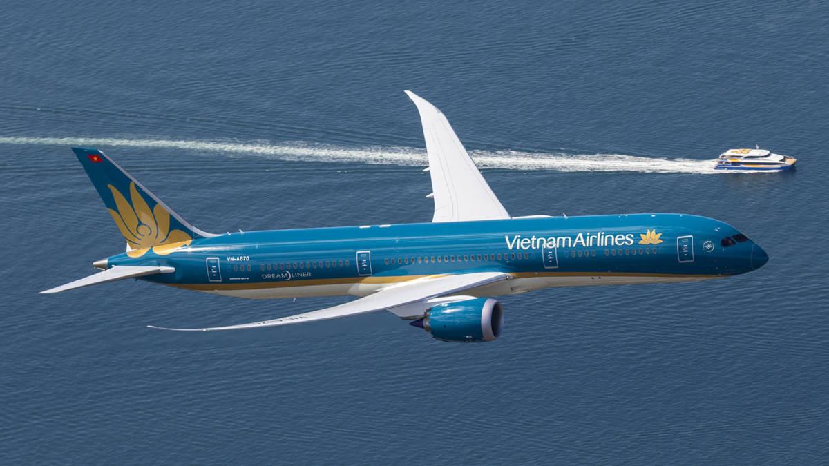 VN Boeing Dreamliner - Vietnam Airlines. Для болельщиков и всех остальных