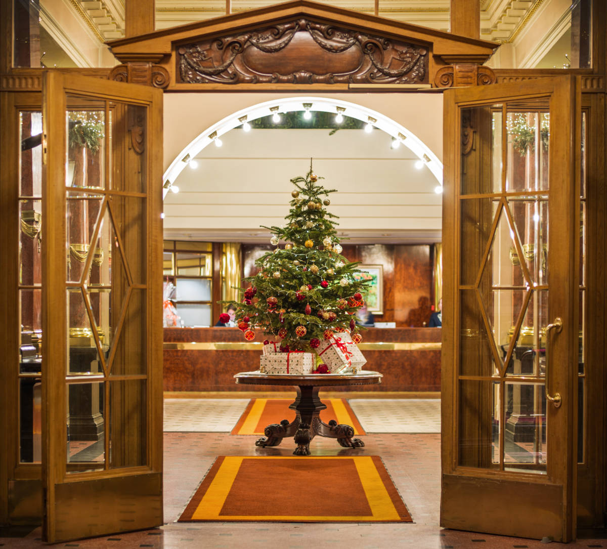 A0002170 3 2 - Grand Hotel Europe. К Новому году готов