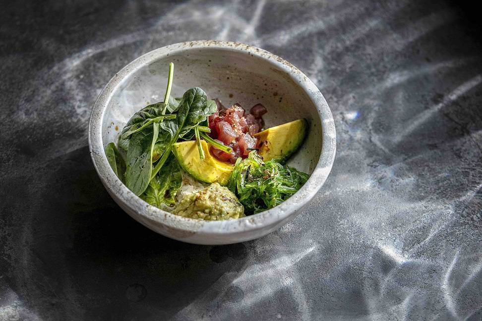 Magura Asian Bistro Poke avocado tunec spinet chukka salat - Весна. Новые рестораны Москвы