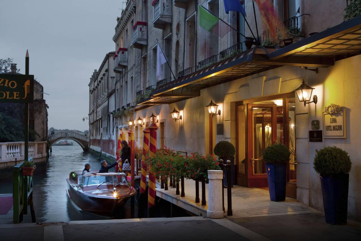 1 Baglioni Hotel Luna Exterior - Венеция. Вид с лагуны
