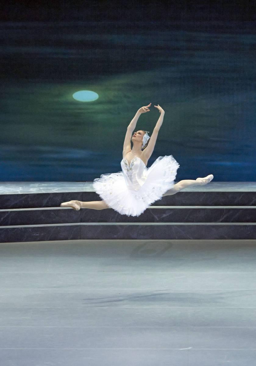 """2 Lebedinoe ozero Olga Esina Wiener StaatsoperMichael Poehn - Парк """"Зарядье"""". Венская опера в Москве"""