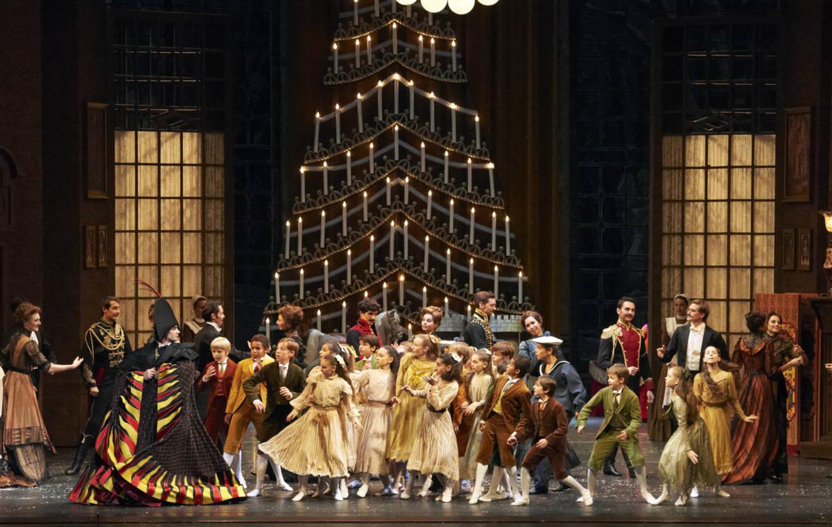"""4 SHHelkunchik Wiener StaatsoperMichael Poehn - Парк """"Зарядье"""". Венская опера в Москве"""