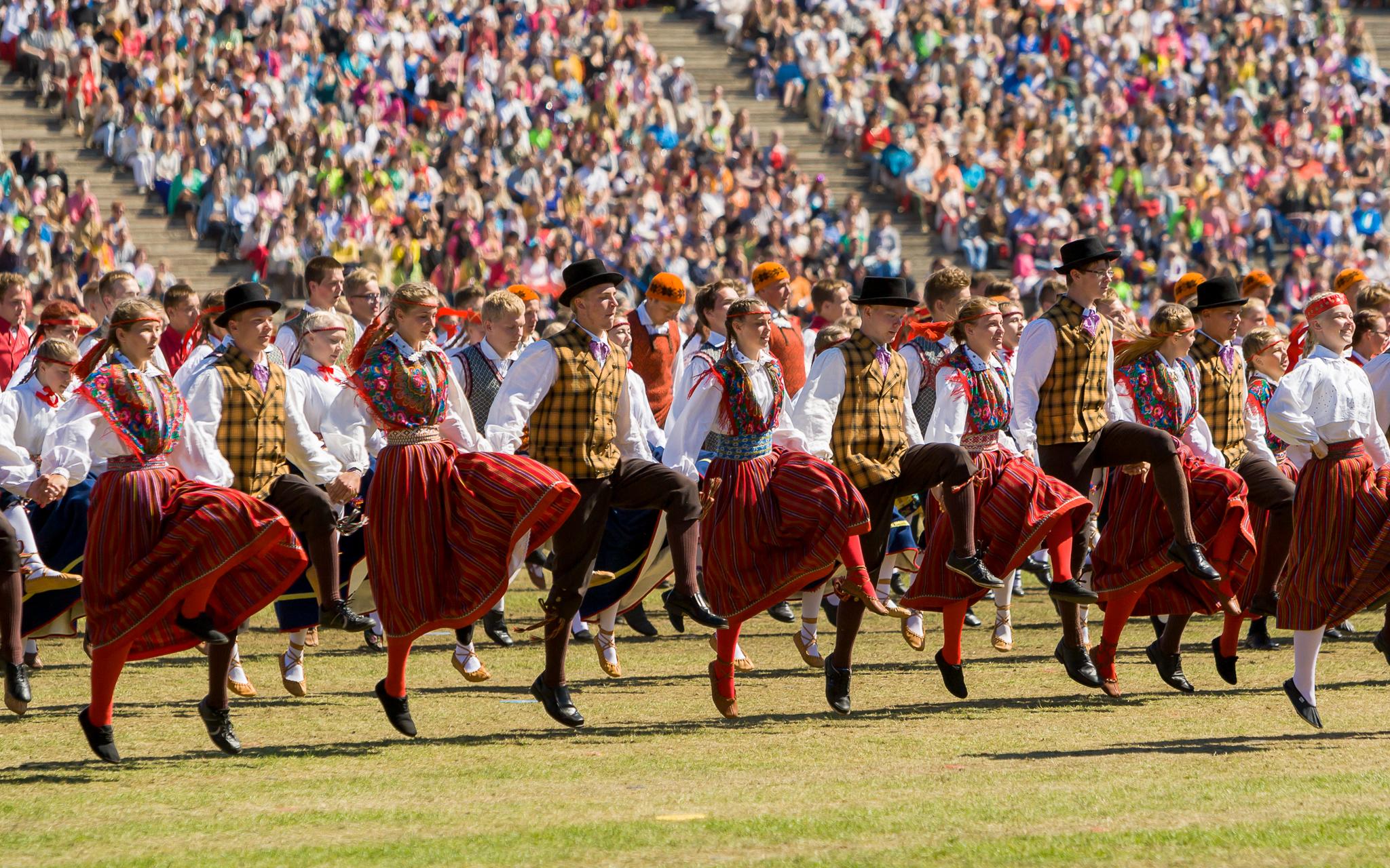 CHRS1800 - Эстония. Горячие летние фестивали