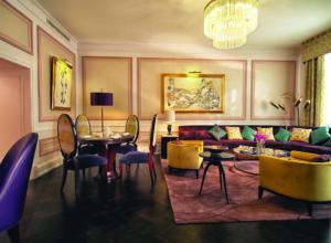 Гранд Отель Европа. Маленькие отличия