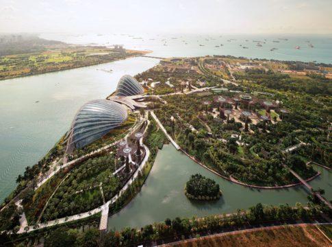 Сингапур. Как получить 63 бесплатных услуги