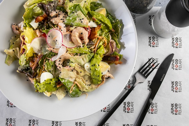 Kobb salat s krevetkami 3398 - Октябрь. Открытие новых ресторанов