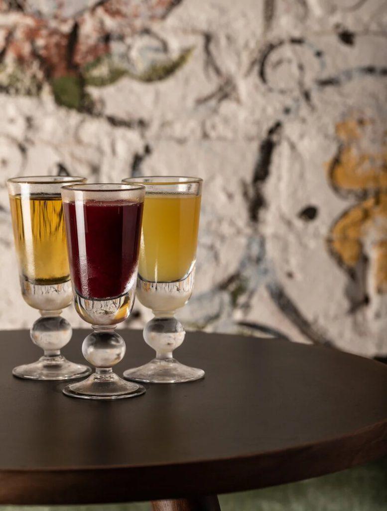 distillyaty Do Not Disturb 777x1024 - Рождественские каникулы. Специальные предложения ресторанов