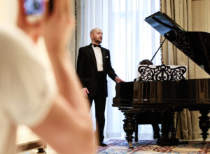 Онлайн-концерт в апартаментах «Паваротти»