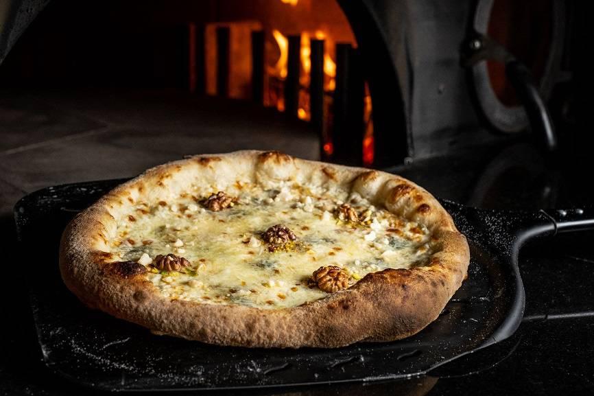 Rossini 6 cheeses Mozzarella   Ricotta   Mascarpone   Skamortsa   Gorgonzola   Pecorino - Октябрь. Новое меню ресторанов Москвы