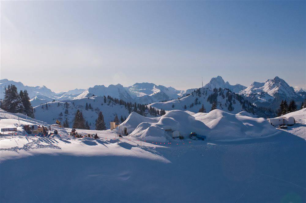 ID Gstaad1 gi200986 - Гштаад. Деревня ледяных иглу