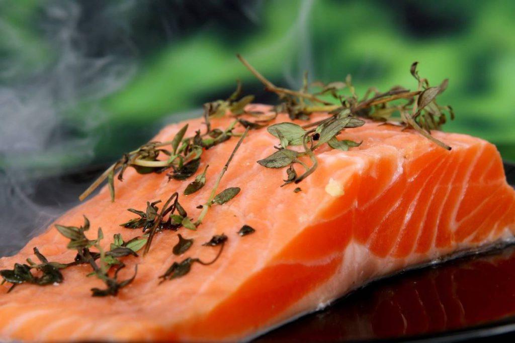salmon 1238248 1280 1024x683 - Витамины. 5 интересных фактов
