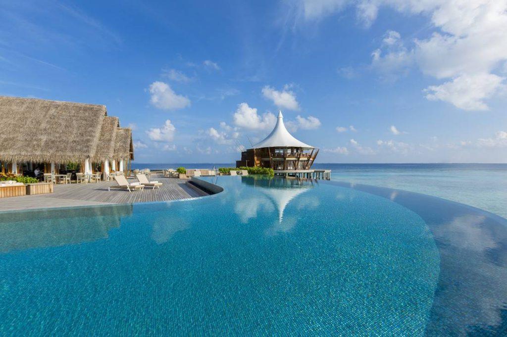 baros maldives lime restaurant hr 7 1 1024x682 - Мальдивы. Baros Maldives создал коралловый риф