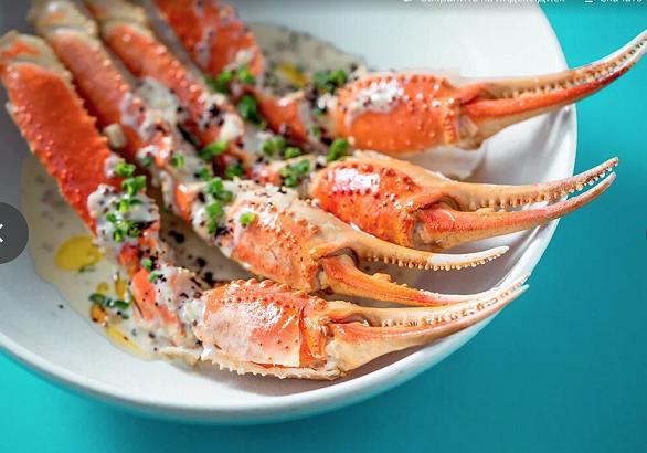 kleshni snezhnogo kraba so slivochno gorchichnym sousom - Бранчи и сеты в московских ресторанах