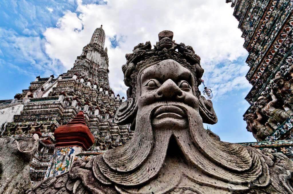 statuya Vat Aruna 1024x680 - Бангкок. Храм Ват Арун