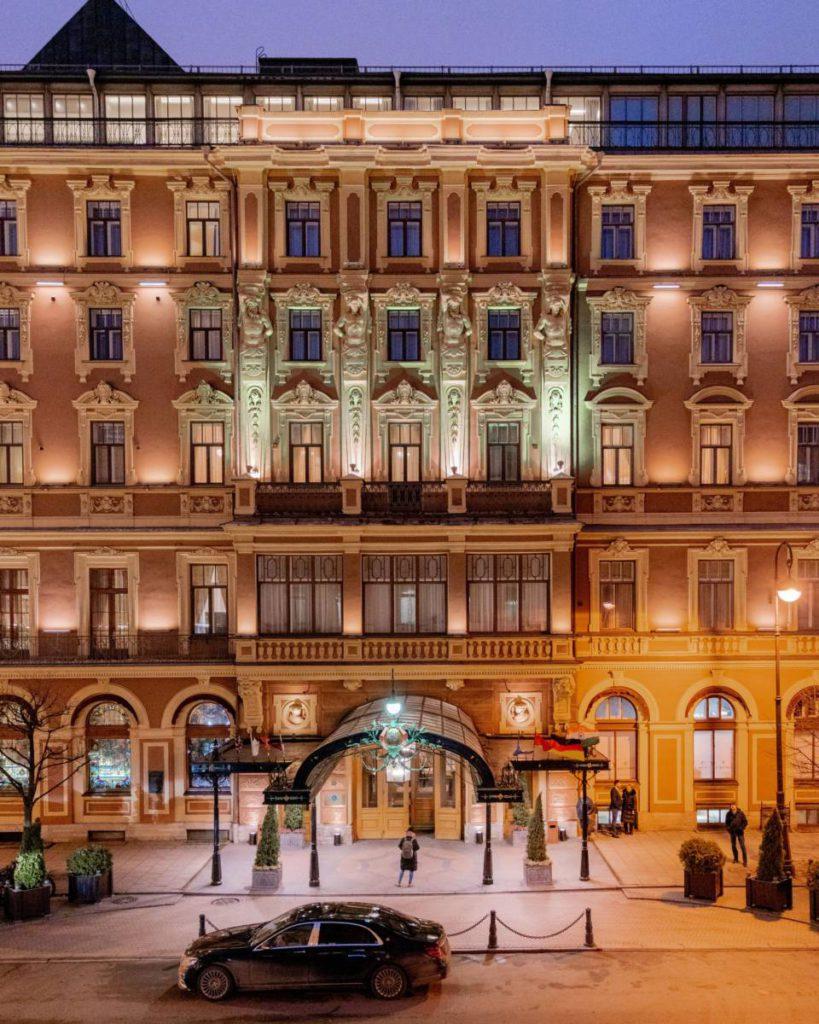 "Grand Otel Evropa fasad 1 819x1024 - Санкт-Петербург. Февральское ""Пианиссимо"""