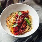 Spagetti trikolor s ovoshhami v tomatnom souse 150x150 - Ягодные равиоли с начинкой из орехов