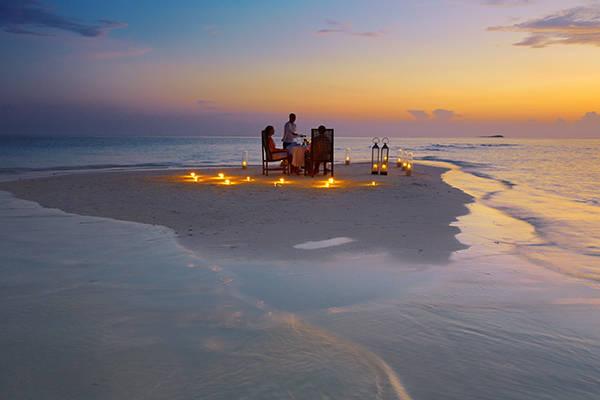 Baros Sandbank Dinner - Baros Maldives. Медовый месяц навсегда