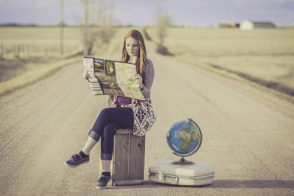 globe trotter 1828079 1280 1024x683 - 12 полезных советов для автопутешествия